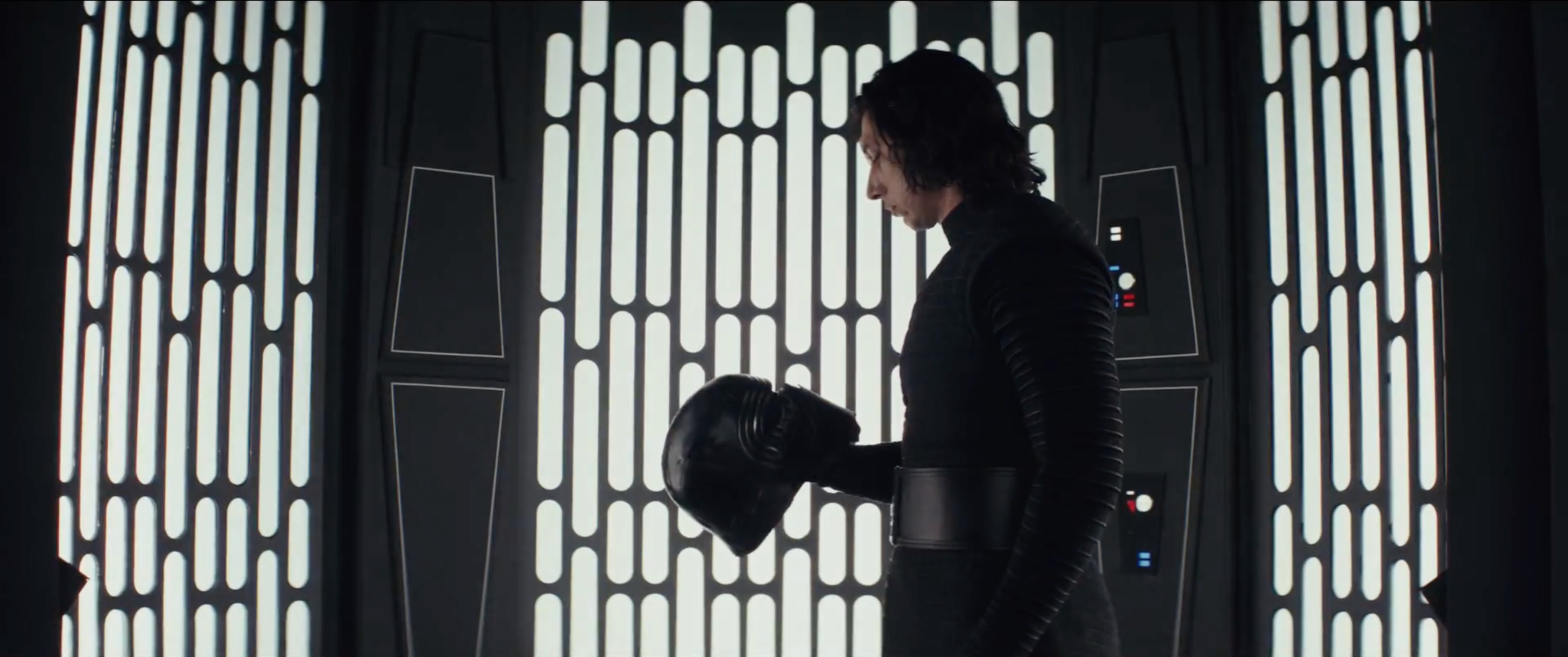 12 Things We Think We've Learned From Star Wars: The Last Jedi's New Trailer 10