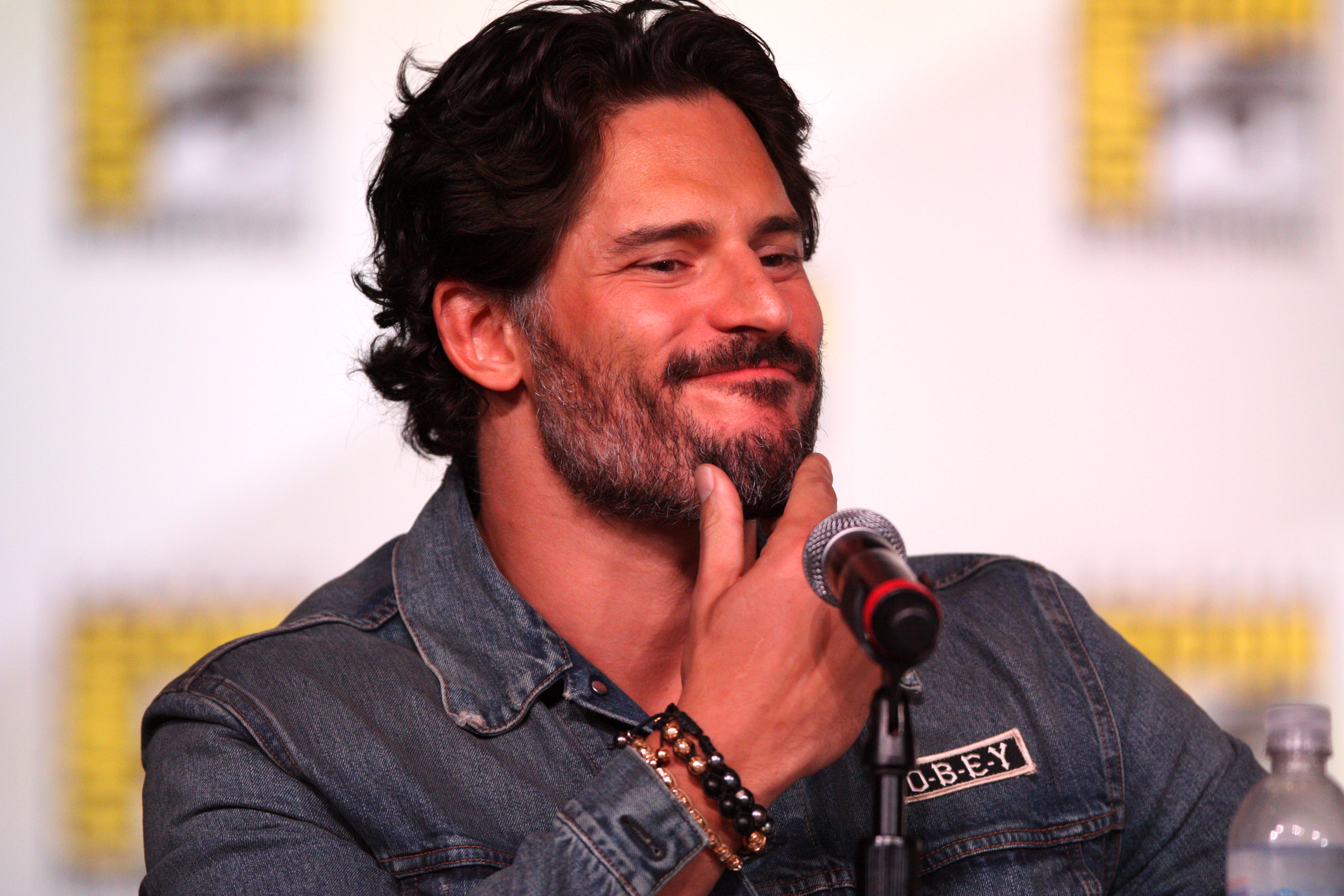 A Deathstroke Movie Is In The Works Starring Joe Manganiello And Directed By The Raid's Gareth Evans 1