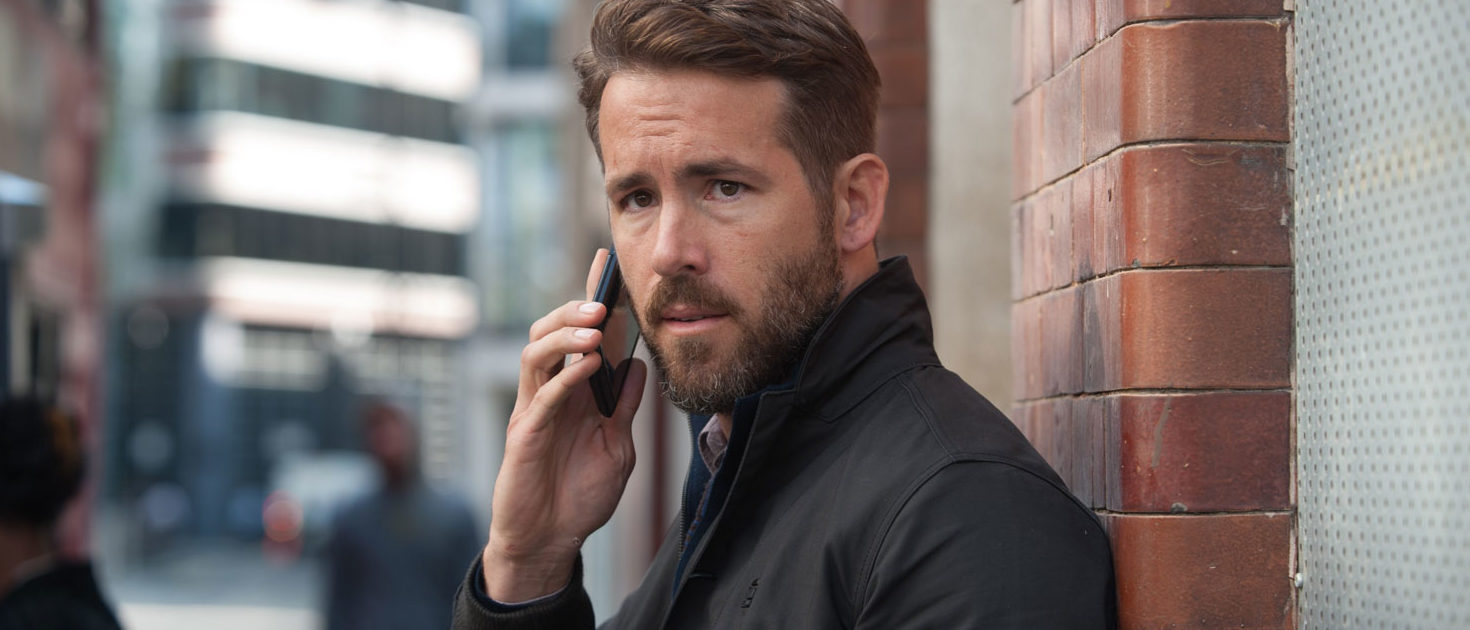 Ryan Reynolds almost crushed by fans at Comic Con Experience in Brazil