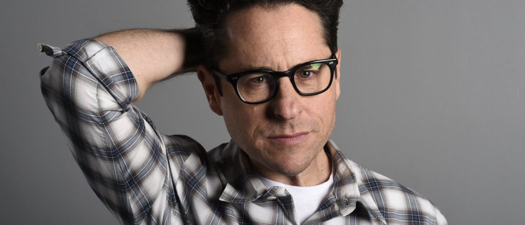 ct-j-j-abrams-star-wars-the-force-awakens-interview-20151208