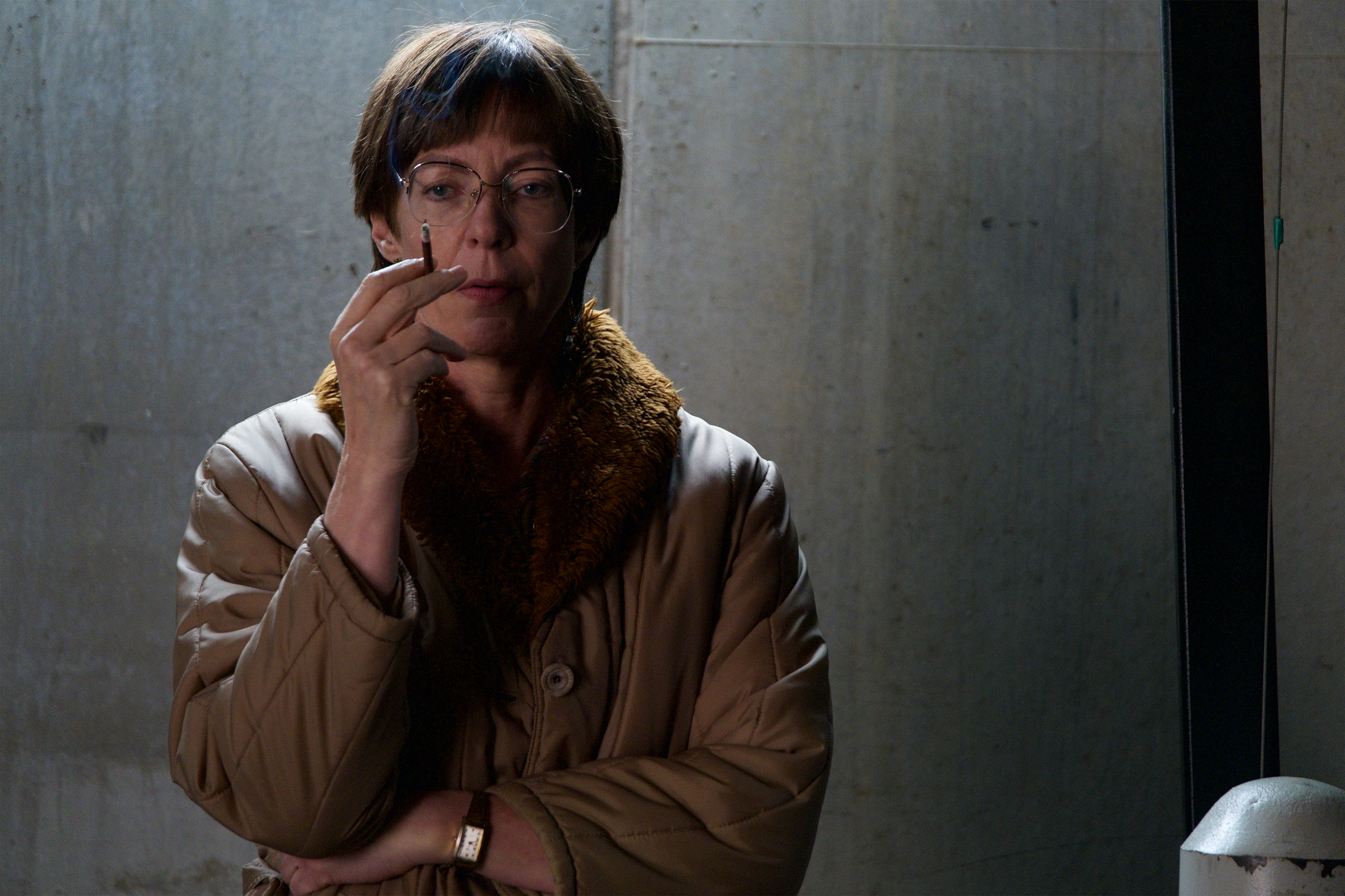 Allison Janney as LaVona Fay Golden, Harding's mother