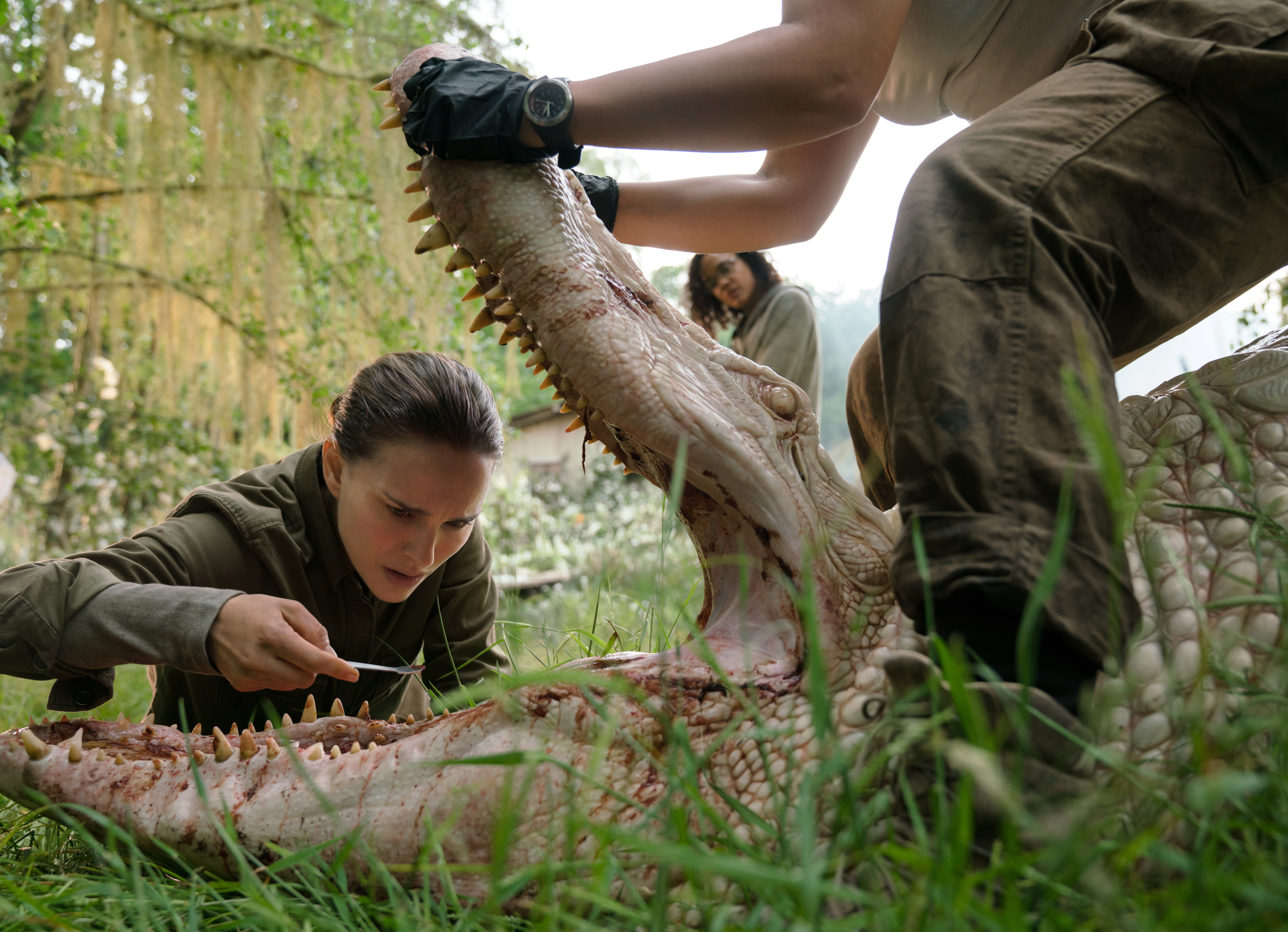Left to right: Natalie Portman and Tessa Thompson in ANNIHILATION, from Paramount Pictures and Skydance.