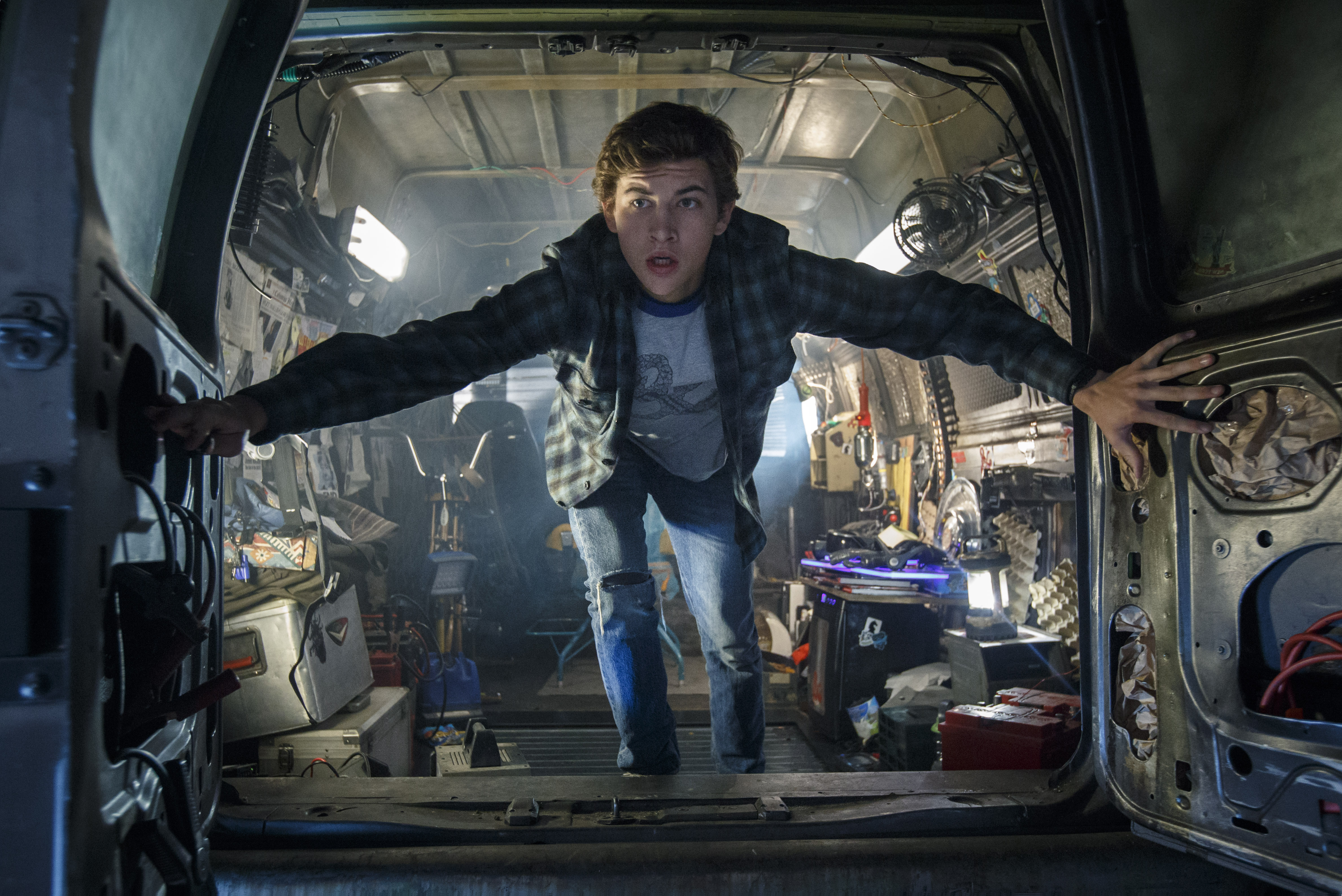Wade (Tye Sheridan) is looking for the Easter Egg in Ready Player One