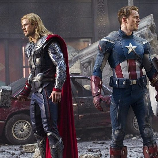 Chris Hemsworth Is Pretty Angry About Captain America Holding Thor's Hammer