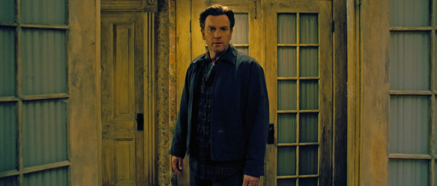 Ewan McGregor as Dan Torrence back at the Overlook Hotel in Doctor Sleep