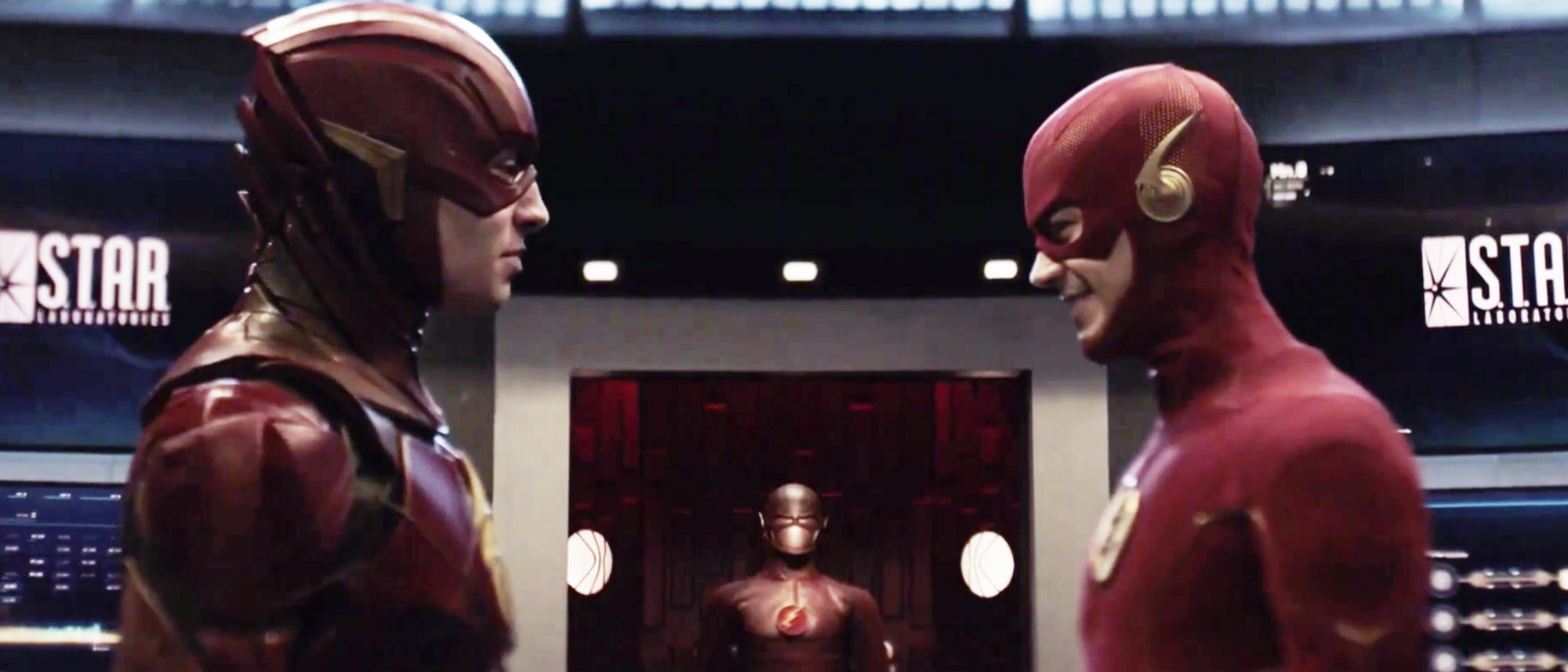 Crisis-On-Infinite-Earths-Barry-Allen-Ezra-Miller-Grant-Gustin
