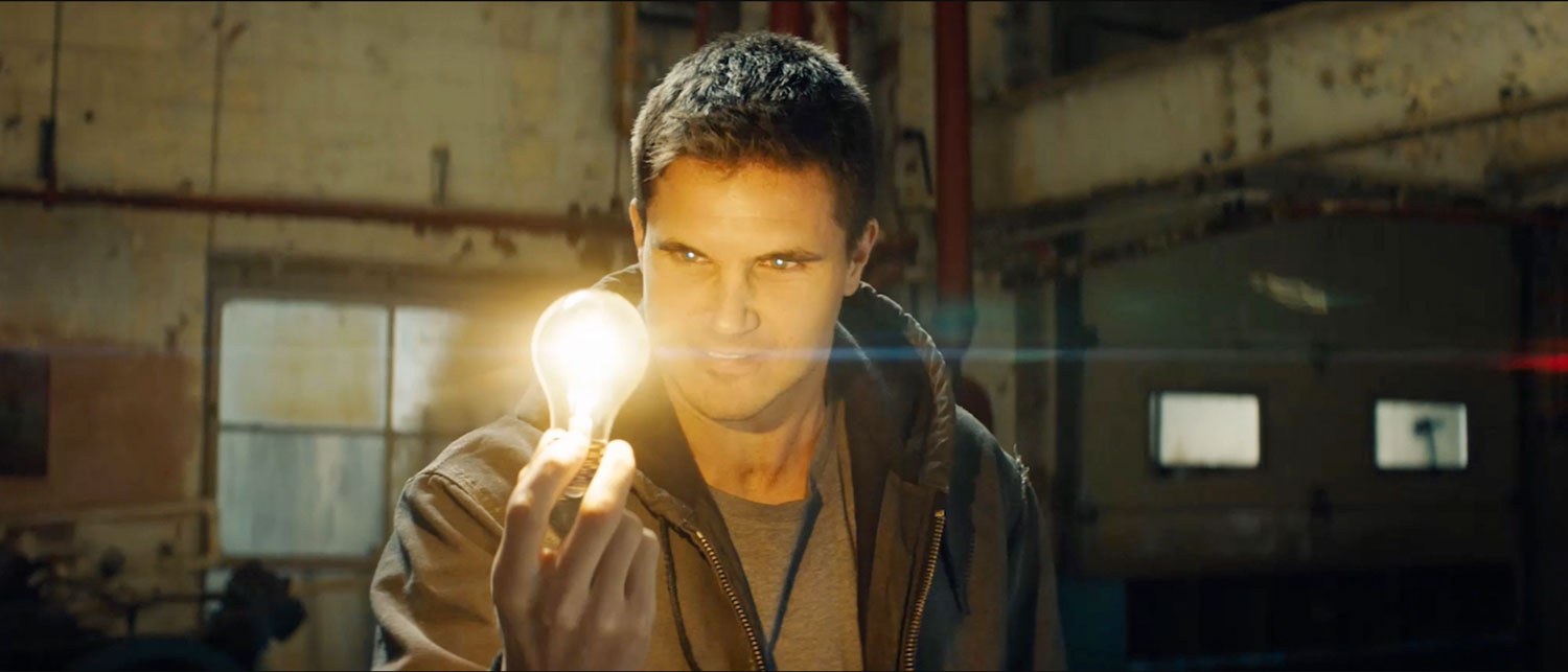 Robbie-Amell-Code-8