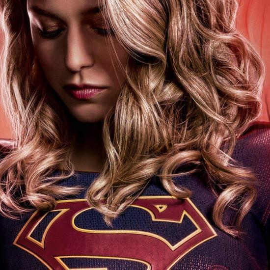 The Flash Director Reveals First Look At Supergirl's Suit