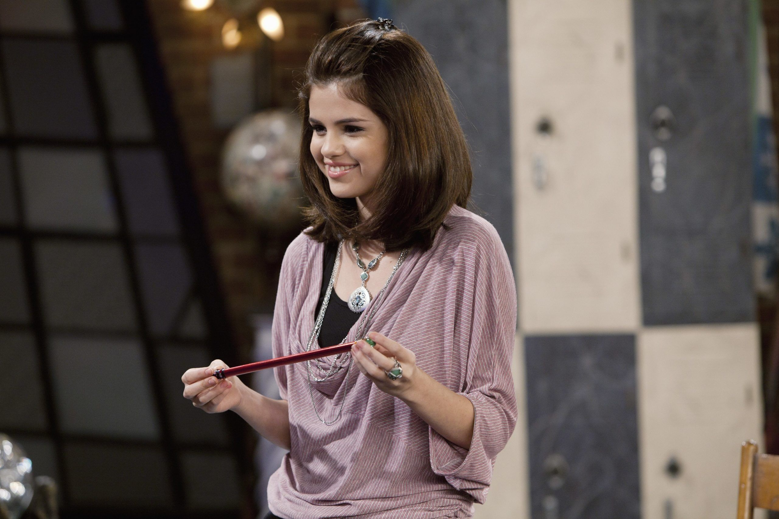 wizards-of-waverly-place_CDHirJ