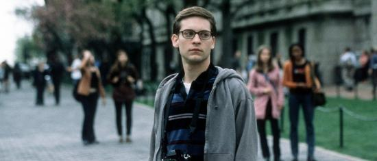 Marvel Fans Think Tom Holland Looks Like Tobey Maguire's Peter Parker In His New Movie