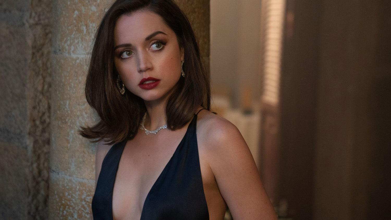 No-Time-To-Die-James-Bond-Movie-Craig-Female-Bond-ana-de-armas